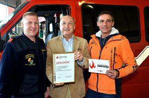 Am 22.10.2016 beim Tag der offenen Tür der Freiwilligen Feuerwehr Kottingbrunn wurde Hr. Ing. Johannes Utner geehrt vom Komandanten Christopher Pischem.